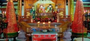 Shangdi_and_Doumu_altar_in_Chengxu_Temple_Zhouzhuang_Jiangxi